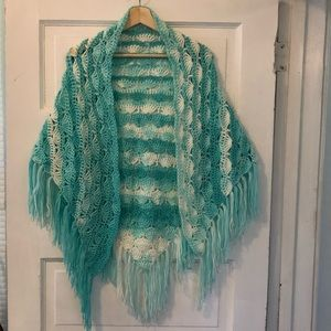 Handmade shawl turquoise & off white shell design